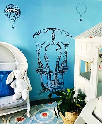 שרטוט מעוצב של פיל בחדר ילדים