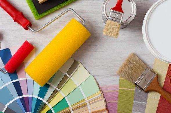 חומרים ומברשות לציור קיר