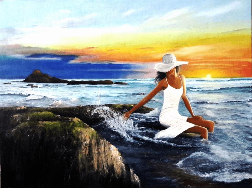 ציור של אישה בים עם שקיעה